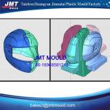 Plastikeinspritzung-Sicherheits-Sturzhelm, der Form bildet