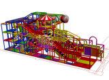 Apparatuur van de Speelplaats van het Vermaak van Ce de Binnen voor Kinderen