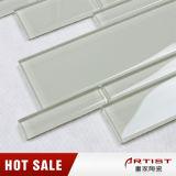 白いカラーガラス物質的なモザイク浴室の床タイル