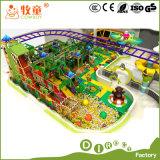 Regenbogen-Netz und Kind-Plättchen-Spielplatz mit Fiberglas-Spiel