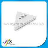 Kundenspezifischer handgemachter Dreieck-Schmucksache-Bildschirmanzeige-Ring-Halter-verpackenkasten