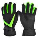 個人化された冬の屋外スポーツの暖かさの防水スキー手袋