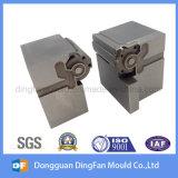 Aangepaste CNC die de Vervangstukken van het Metaal van het Deel voor de Vorm van het Tussenvoegsel machinaal bewerken
