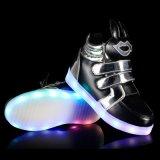Het nieuwe LEIDENE van de Tong van de Schoenen van de Tendens Hoge Licht op de Schoenen van Jonge geitjes maakt de Navulbare Toevallige Schoenen van de Batterij waterdicht