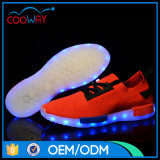 方法11カラー人LEDは2017の新式の靴に蹄鉄を打つ