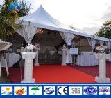 ロマンチックな結婚式のための屋外の最も高いピークの贅沢な玄関ひさし党テントの玄関ひさし