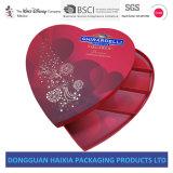 Contenitore di regalo a forma di del cuore degli innamorati di giorno dei biglietti di S. Valentino per il pacchetto del cioccolato