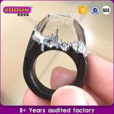 De met de hand gemaakte Ring van de Hars van de Manier Geheime Houten