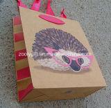 Modificar la bolsa de papel para requisitos particulares promocional del regalo de la impresión del diseño de la Navidad con la maneta de la cinta del Grosgrain