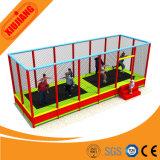 Trampoline de salle de gym à l'intérieur en usine pour enfants avec filet