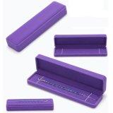 Pulseras púrpuras de Coved del terciopelo que empaquetan el rectángulo