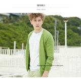 Cardigan verde chiaro del maglione degli uomini del collo di V con il tasto
