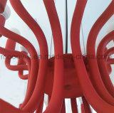現代ヨーロッパの鉄の金属の芸術の装飾的なローズの赤い活気付く花E14 LEDのシャンデリア