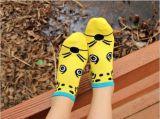 漫画動物のCutyの木靴によっては足首のソックスが呼吸する