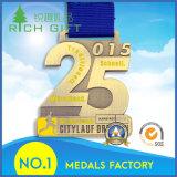 Médaille dure faite sur commande de police en métal d'émail de fabrication de la Chine, médaille d'armée d'or