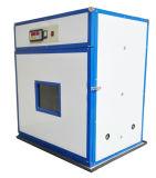 중국은 케냐에 있는 가득 차있는 자동적인 작은 가금 부화기 기계를 제조했다