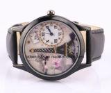 Parte posterior cristalina del acero inoxidable del reloj de las muchachas elegantes