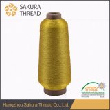 Usare i contrassegni tessuti vestiti metallici di lusso del filato dell'oro