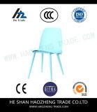 Todas as cadeiras do lazer do plástico - azul, branco leitoso