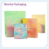 Los bolsos de papel del regalo de la manera con crean para requisitos particulares