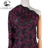 Чернота и хлопко-бумажная ткань швейцарца вышивки сетки Fushia розовая