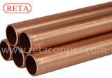 Tubulação de cobre reta do abastecimento de água
