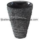 Естественные раковины постамента камня гранита