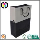 Dreieckiger schwarzer Papiergeschenk-Verpackungs-Beutel mit magischem Band-Abschluss