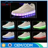 De nieuwe LEIDENE van de Vrouwen van de Manier Last van Loopschoenen door USB met 8 Kleuren
