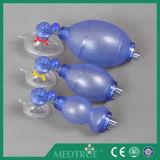 Resuscitators manuais adultos descartáveis médicos aprovados de CE/ISO (SEBS) (MT58028524)