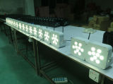 平らで細い9PCS Rgbawuv LEDの同価ライト電池式の無線電信
