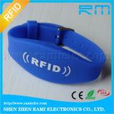 Pulsera del silicón de la viruta RFID del precio de fábrica 13.56MHz F08 para el partido