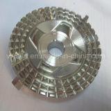Parti di motore di giro di macinazione lavorate precisione d'ottone di alluminio su ordine del motociclo di CNC della lega di rame dell'acciaio inossidabile