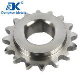 CNC che lavora l'attrezzo alla macchina dell'acciaio inossidabile per macchinario