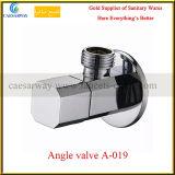 Válvula de ángulo de cobre amarillo de la agua fría para el cuarto de baño