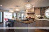 水晶上(WH-D271)が付いている灰色の純木浜様式の食器棚