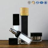 Vaso cosmetico acrilico di plastica di Skincare dell'oro di alta qualità d'argento del quadrato