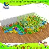 A cor brilhante temático de Rorest caçoa o jogo macio com área da criança