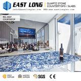 Black&Blue a conçu les partie supérieure du comptoir Polished de pierre de quartz pour des panneaux de mur