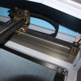 Machine de découpage précise de laser pour la connexion en caoutchouc (JM-960T-CCD)