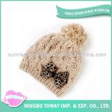Chapeaux faits sur commande de l'hiver de femmes de crochet tricotés par prix bas