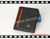 RFID que obstrui a carteira do homem com marca