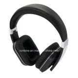 Auriculares estéreos del Sobre-Oído sin hilos de Bluetooth con el control del micrófono y de volumen - negro