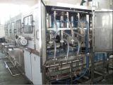 Máquina de rellenar de la bebida automática llena