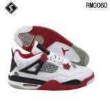 Zapatos atléticos de los deportes del baloncesto de la manera de los hombres y de los cabritos