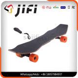 Het Vierwielige Elektrische Skateboard van Longboard met Verder