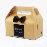 عالة [كك بوإكس]/طعام هبة ورقيّة يعبّئ صندوق
