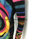 Maglietta lunga variopinta di modo per le donne con della maglia la parte posteriore sopra