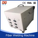 Saldatrice di fibra ottica tenuta in mano del laser della trasmissione 200W