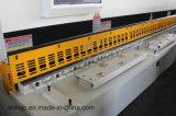 Machine van de Schommeling van Huaxia de Hydraulische CNC van QC12k Scherende (snijdende) van de Straal